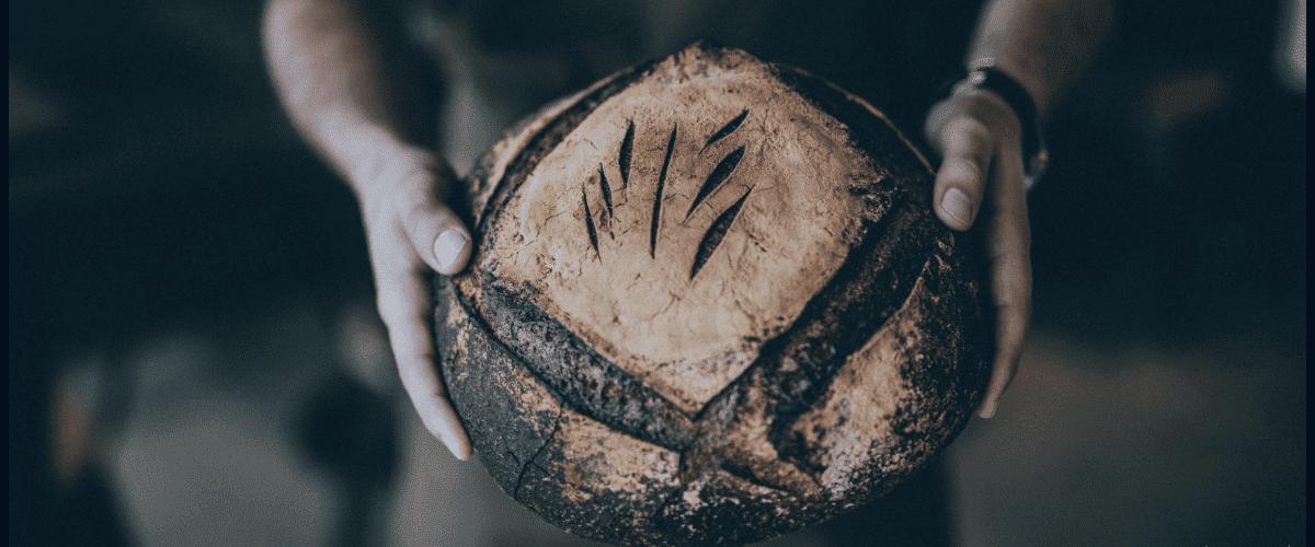 Un épicier et du pain (1)